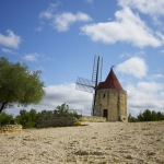 Arles: ドーテの『風車小屋だより』で有名なフォンヴィエイユ